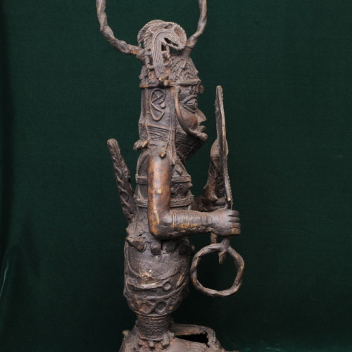 Soldier with sword, Yoroba, (bronze) left full