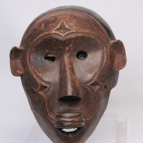 Makonde Monkey mask, Tanzania center